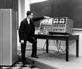 Wes Clark and the LINK at Lincoln Laboratory in 1962. Image taken from www.digibarn.com